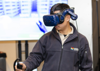 Costa demonstrates VR training technology