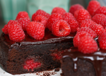 Indulgent Chocolate & Raspberry Brownies