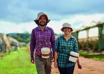 Harvest trail takes couple around Australia